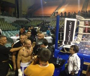 Dejan Zavec je v mariborski dvorani Tabor v dvoboju polsrednje kategorije (do 69,85 kg) za naslov evropskega prvaka po različici WBO premagal Madžara Ferenca Hafnerja.