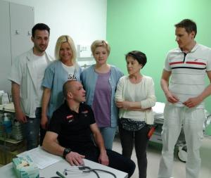 Pregled v bolnišnici po dvoboju.