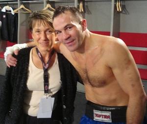Dejan Zavec je še tretjič obranil naslov svetovnega IBF prvaka v velterski kategoriji!
